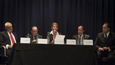 Acompañada por los peritos de la querella, la jueza federal Sandra Arroyo Salgado leyó el informe en el edificio del Teatro del Concejo Deliberante de San Isidro