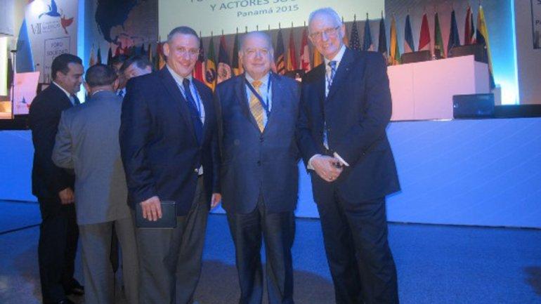 Izq. a der: Sergio Widder, José Miguel Insulza, Eduardo Kohn (vicepresidente ejecutivo de Bnai Brith Latinoamérica)