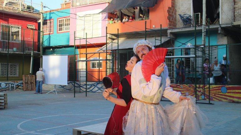Durante el ensayo de la ópera protagonizada por artistas del teatro Colón y vecinos de la villa 20 de Lugano