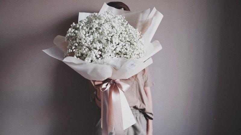 繾綣 :: 滿天星花束 求婚 大型花束 鮮花捧花 情人節 聖誕禮物 - 設計館 繾綣 CHUAN Flowers - 乾燥花.捧花 | Pinkoi