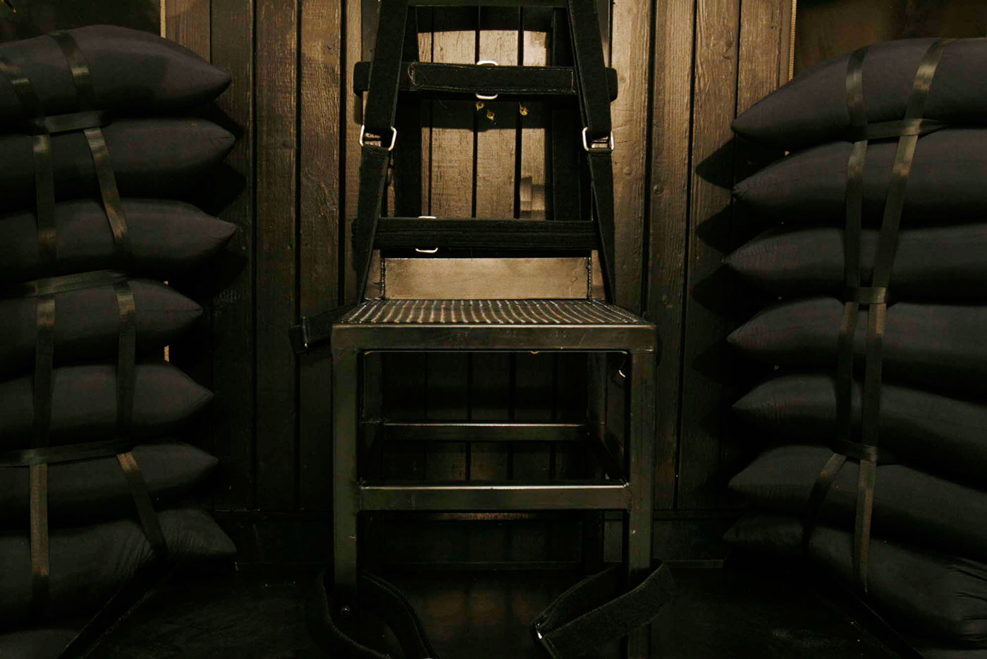 electric chair execution gone wrong gold universal covers andrew jerell jones  the intercept