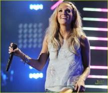 Carrie Underwood Cmas