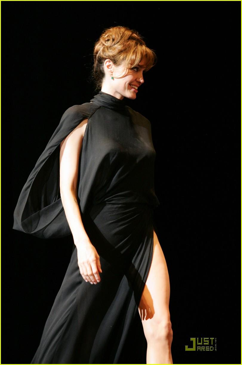 Angelina Jolie Sexy Slit For Salt Photo 2469397