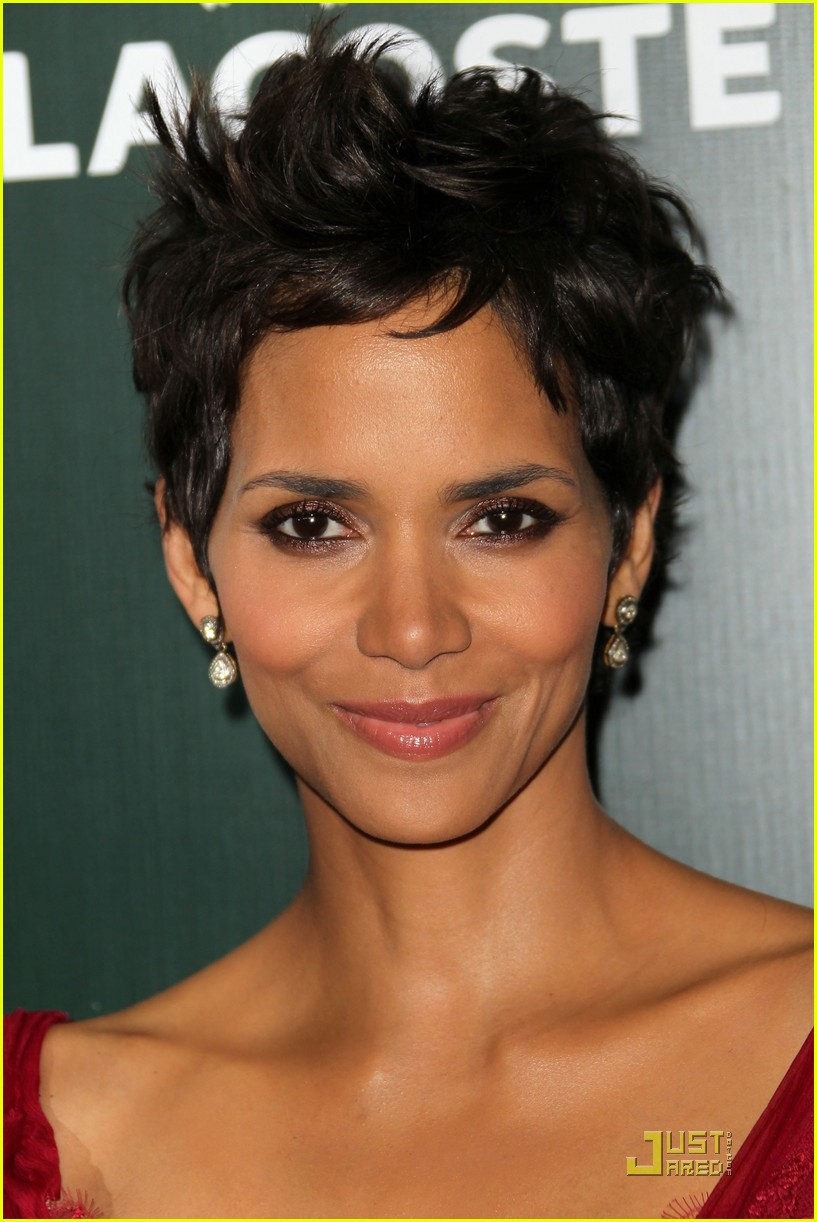 Halle Berry Costume Designers Guild Awards Honoree Photo 2522076  Halle Berry Pictures