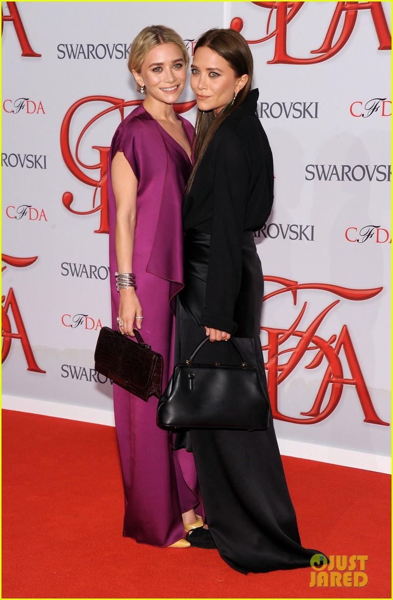 mary kate ashley olsen cfda fashion awards 2012 03