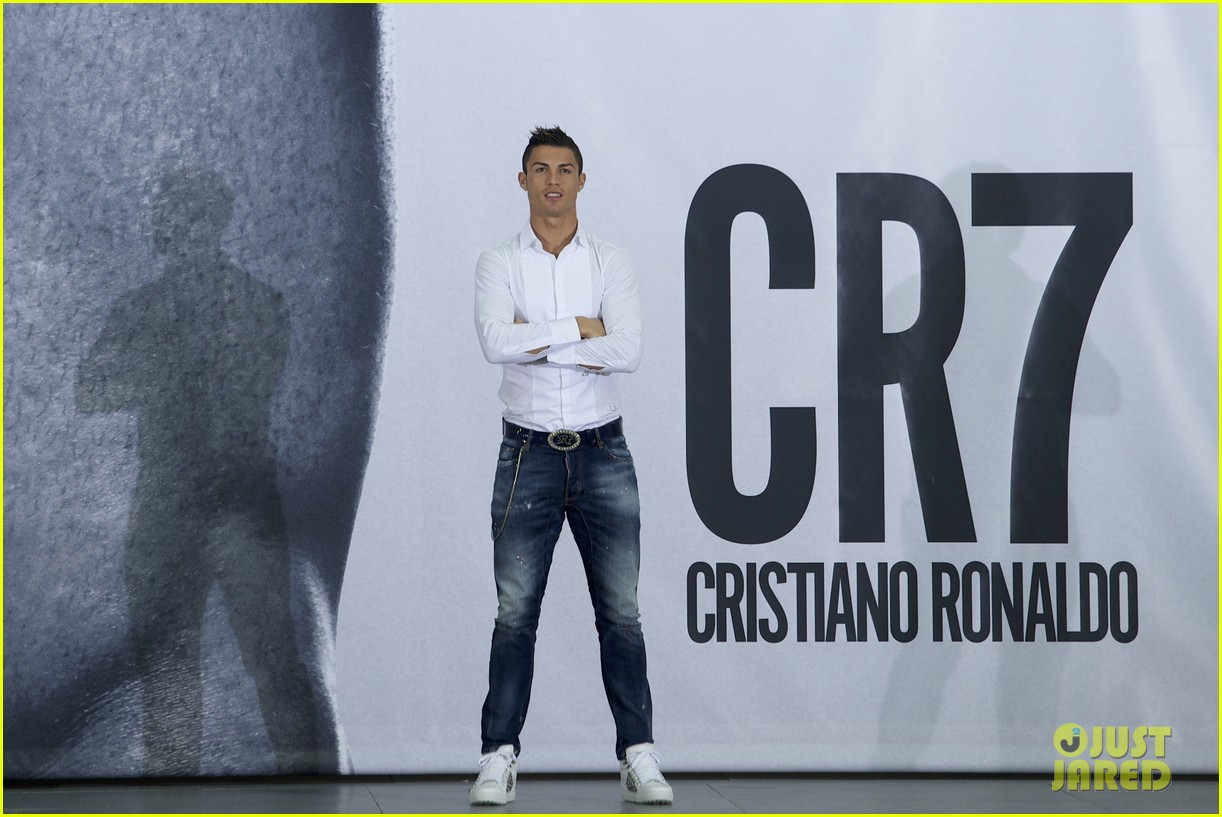 Full Sized Photo of cristiano ronaldo launches underwear