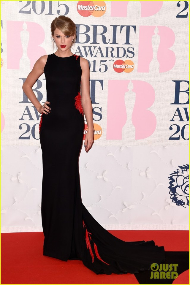 Taylor Swift Red Carpet And Events Black Dress Ups With Red Flowers