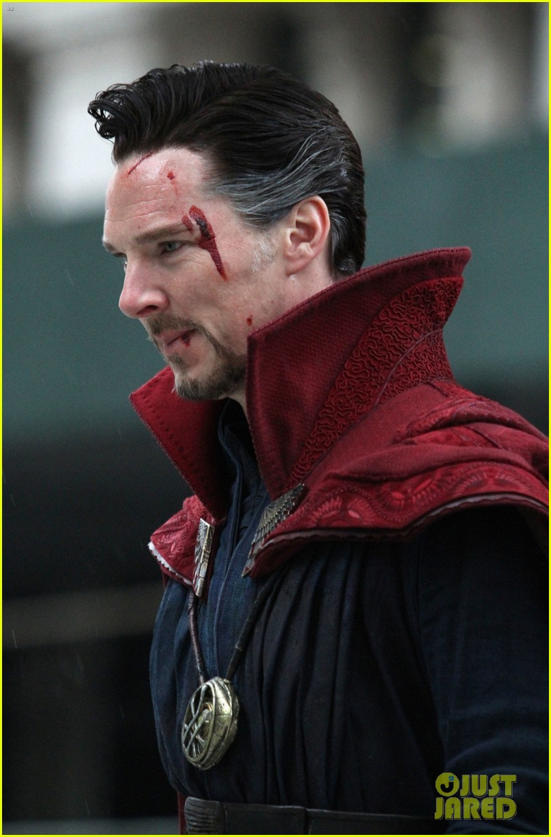 benedict cumberbatch films doctor strange in nyc first pics 01