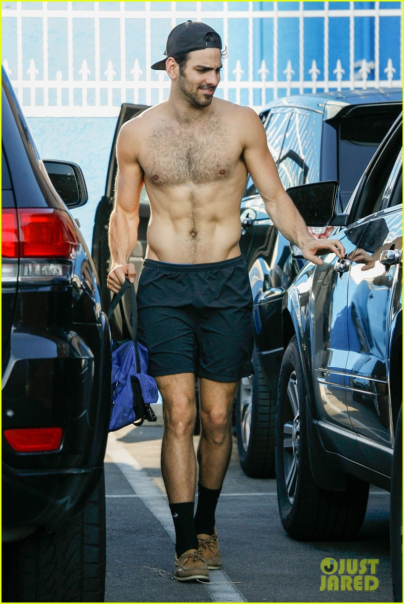 Nyle DiMarco Goes Shirtless While Leaving DWTS Rehearsals  Photo 3655193  Nyle DiMarco