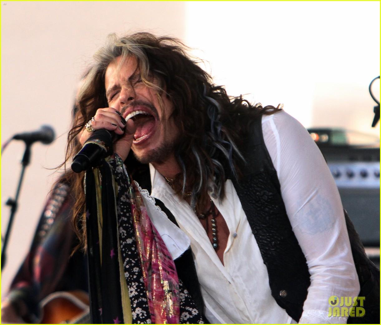 Steven Tyler Says Aerosmith Will Go On Farewell Tour In