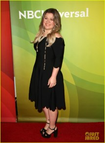 Kelly Clarkson Voice 2018 Dress