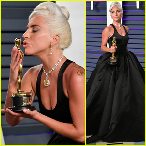 Lady Gaga Kisses Her Oscar Statue at Vanity Fair Oscars Party!