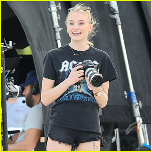 Sophie Turner Plays Photographer on Jonas Brothers Video Set