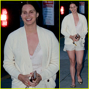 Lana Del Rey Is All Smiles While Heading to Evening Church Service in Beverly Hills