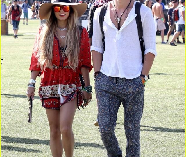 Vanessa Hudgens Austin Butler Hot Hat Couple At Coachella  Photo Gallery Just Jared Jr