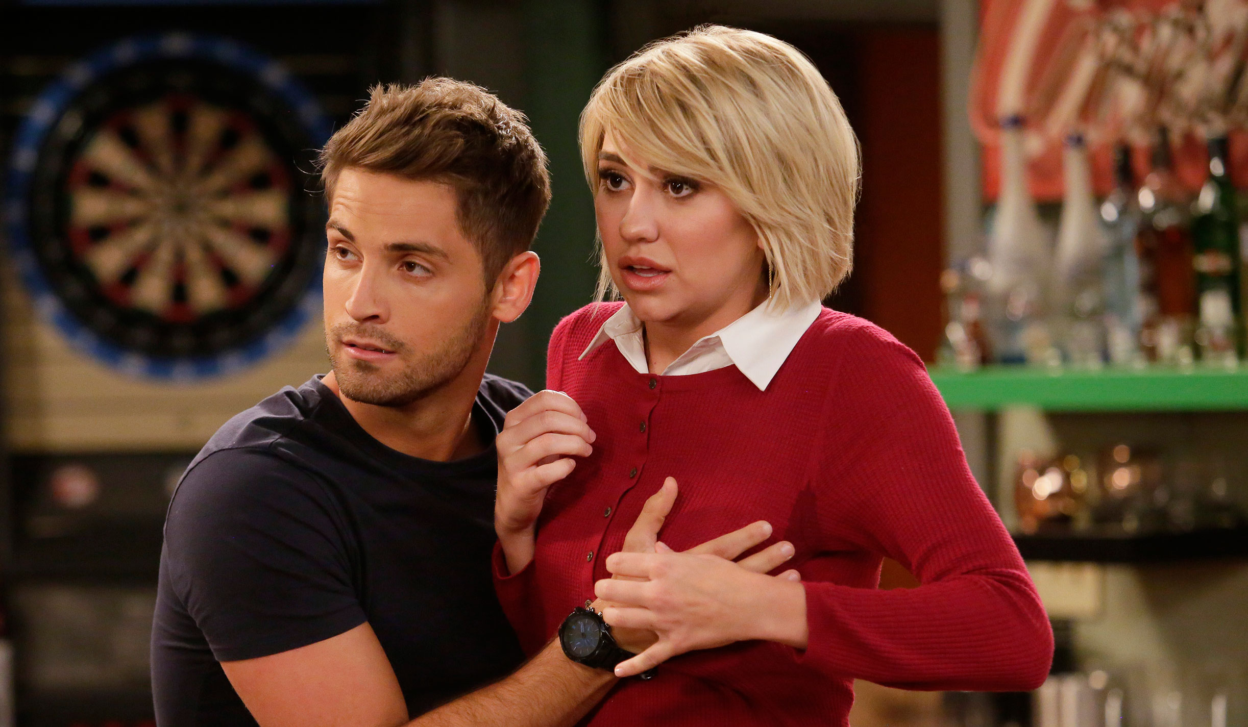 Things Get Awkward Between Ben Amp Riley On Tonight S Baby