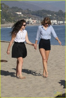 Lorde and Taylor Swift Beach