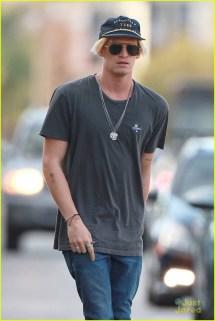 Cody Simpson Barefoot