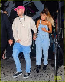 Ariana Grande Leave Vmas Party Hand In With Mac