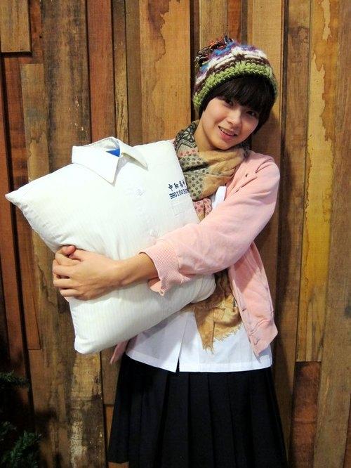 制服抱抱 [客製化] 把自己的制服做成抱枕 *畢業禮物推薦* - 設計師 Pillowhug 制服抱抱/ FunPrint 抱枕 | Pinkoi