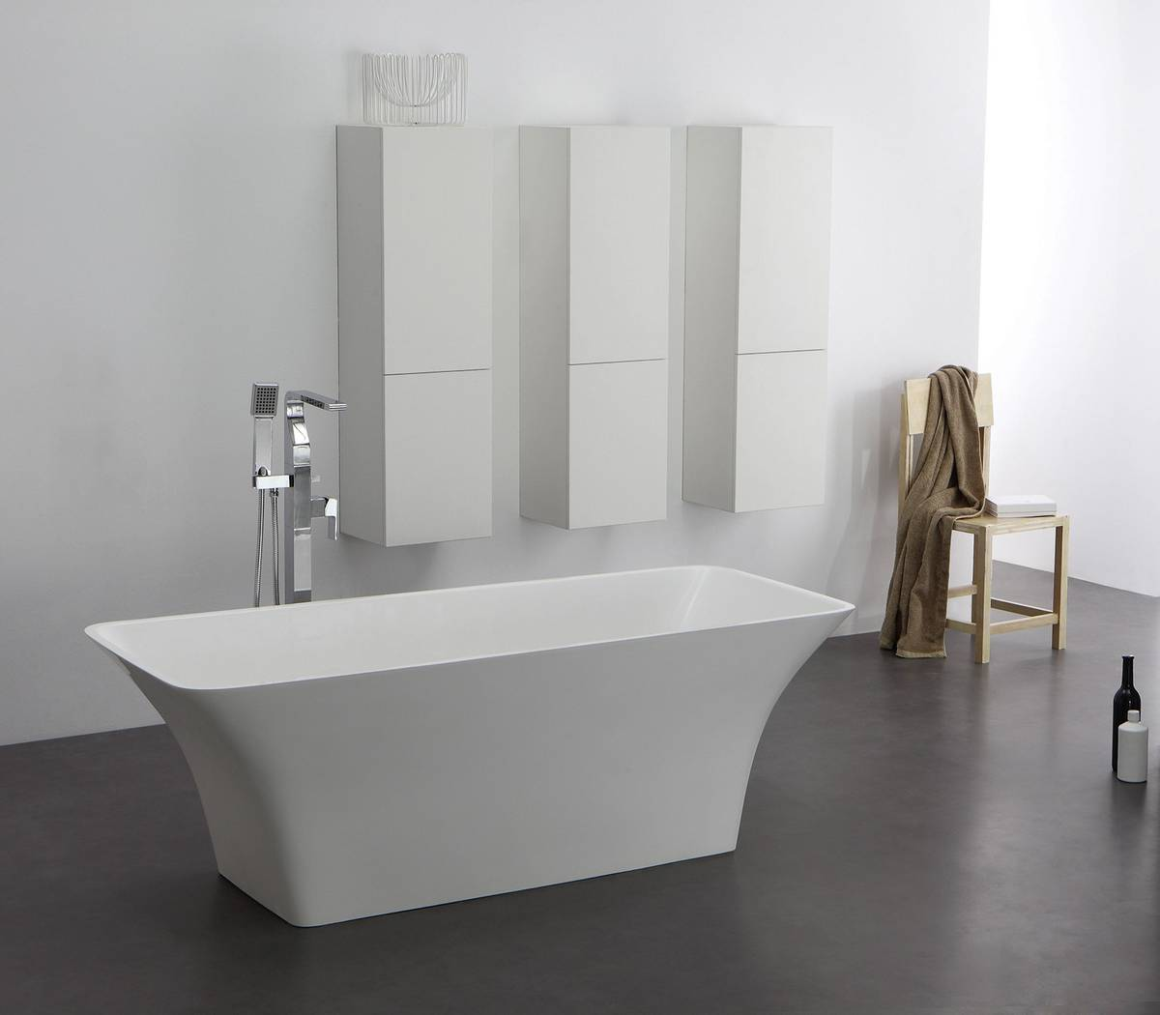 Freistehende Badewanne aus Mineralguss KZOAO0901  Four