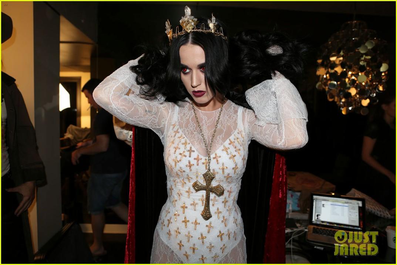 Katy Perry Vampire Birthday Bash With John Mayer! Photo