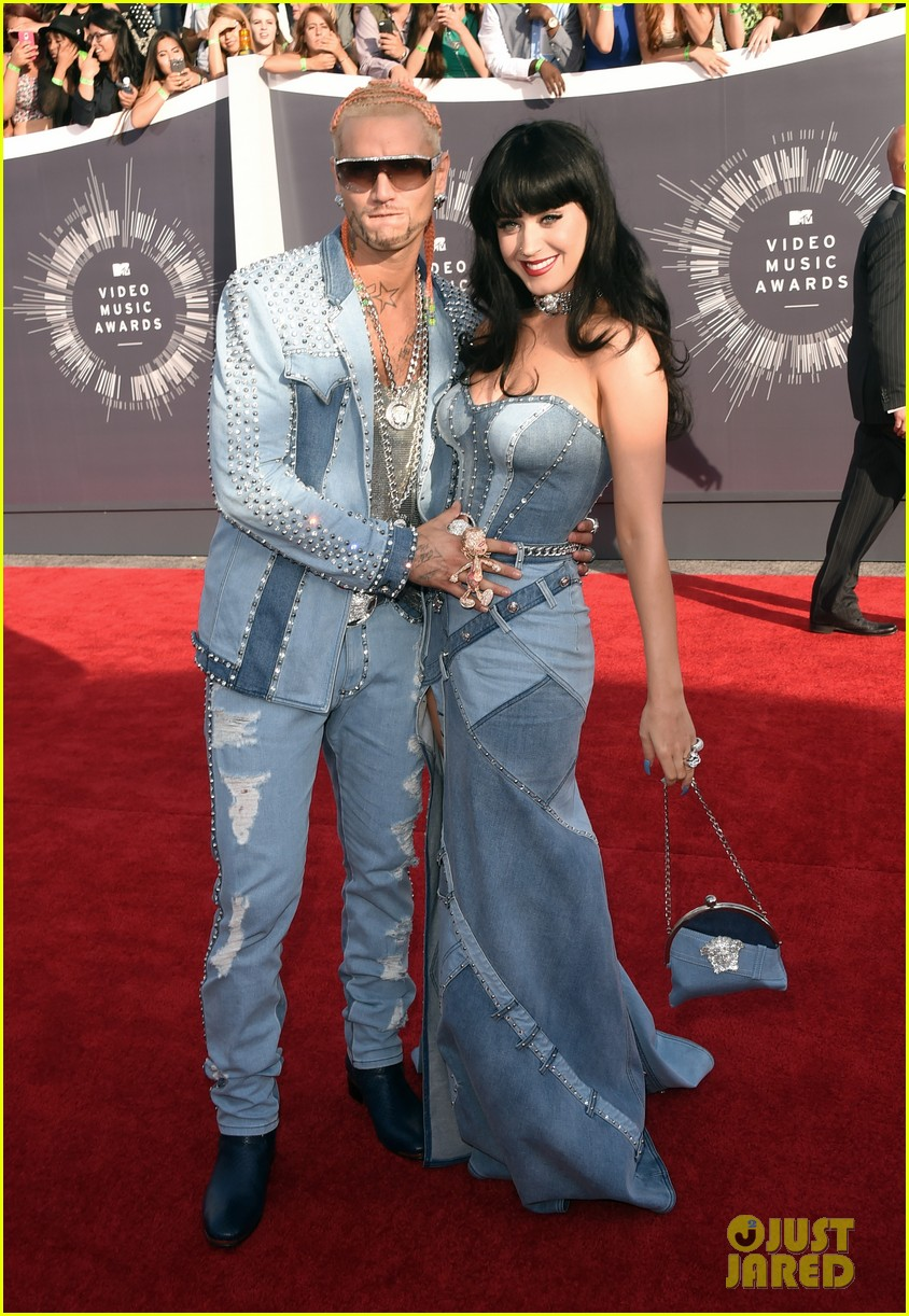 katy perry jean dress mtv vmas 2014 01
