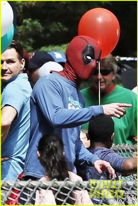 New Deadpool 2 Set Photo Featuring Wade Wilson & Blind Al 6