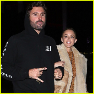 Brody Jenner & Wife Kaitlynn Carter Check Out Fleetwood Mac Concert!
