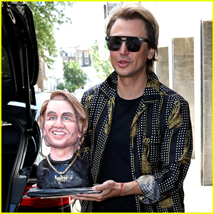 Jonathan Cheban Proudly Displays a Cake of His Face