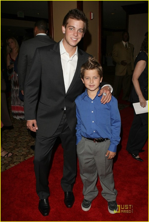 20 Ryan Sheckler And Wife Pictures And Ideas On Meta Networks