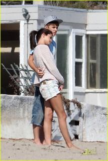 Selena Gomez & Justin Bieber Paradise Cove Lovebirds