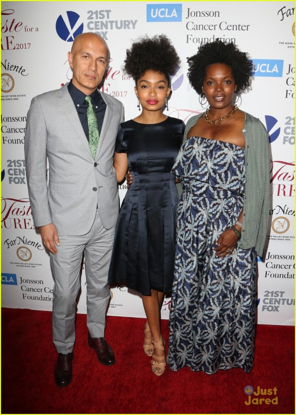 Yara Shahidi Brings Parents Ucla' Taste Cure Event 1084021