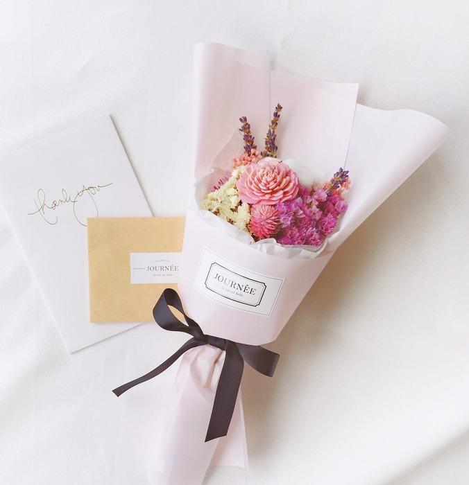 母親節親手表心意:5 種超美的康乃馨裝飾 DIY - 設計誌.讀設計 - Pinkoi