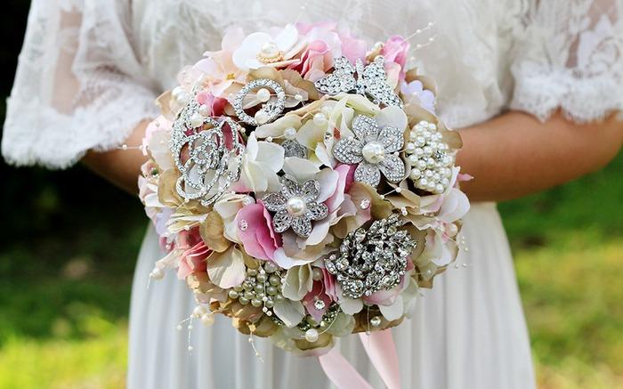 Beautiful Dried Flower Wedding Bouquets & Brooch Bouquets
