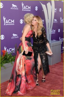 Carrie Underwood ACM Awards 2013 Red Carpet