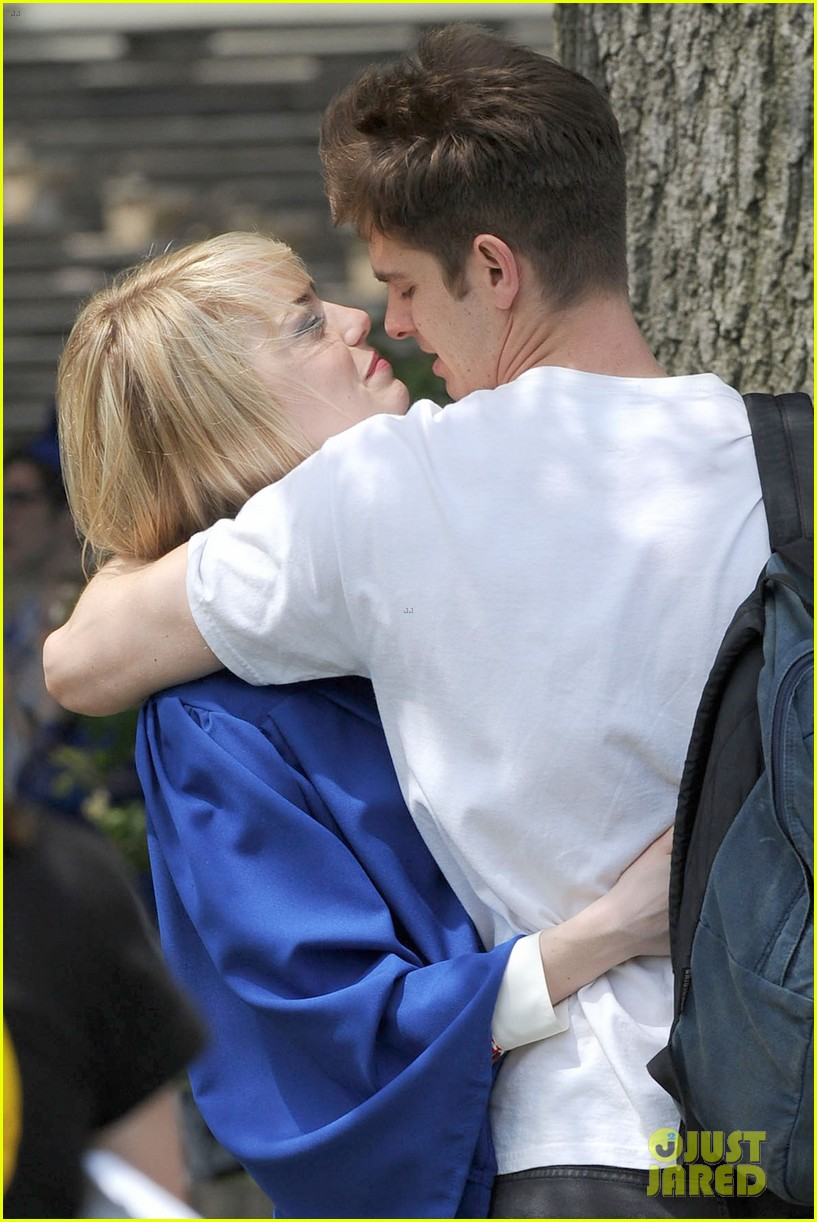 Emma Stone  Andrew Garfield SpiderMan Break Kisses Photo 2883396  Amazing SpiderMan 2