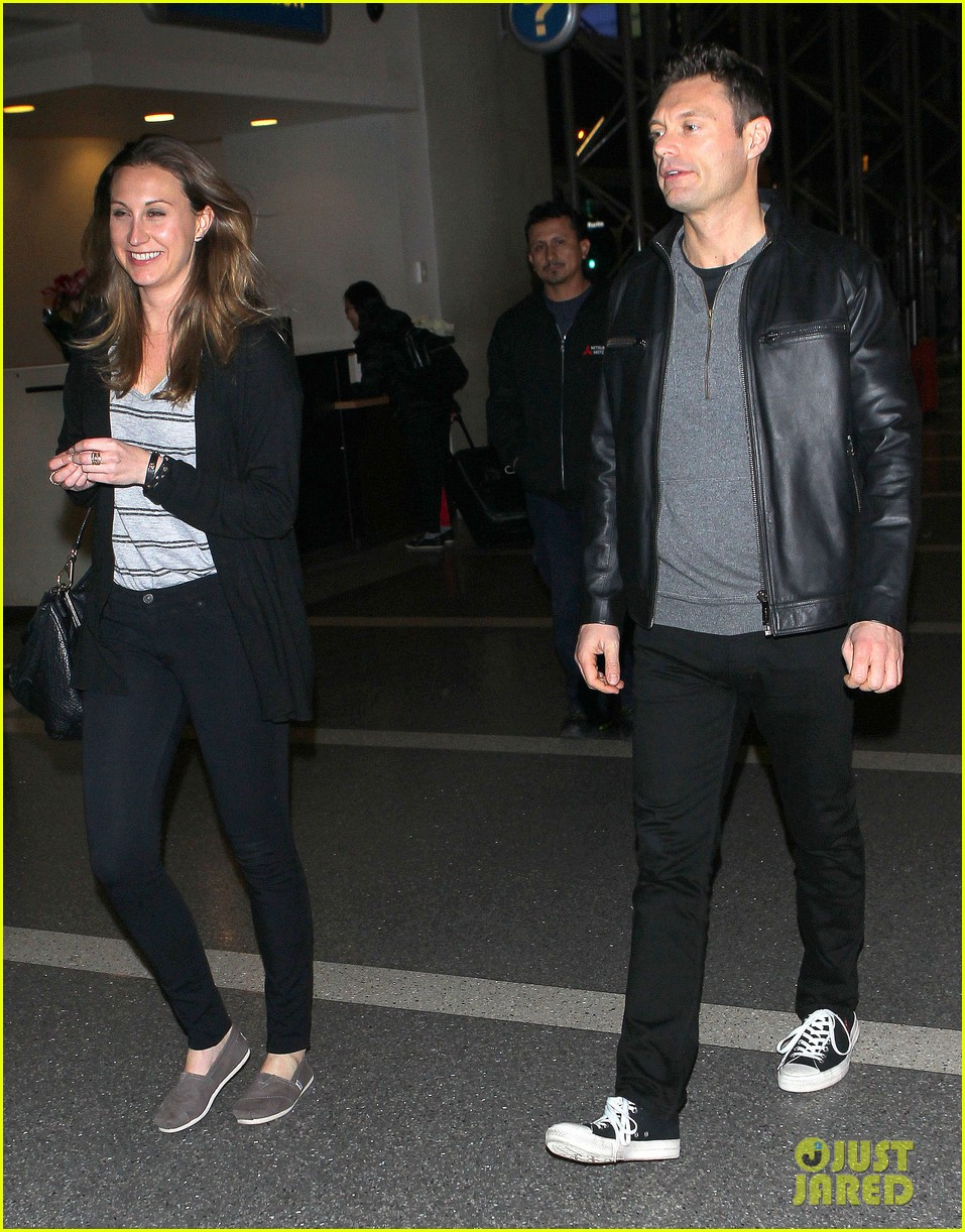Ryan Seacrest Sister : seacrest, sister, Seacrest, Catches, Flight, Sister, After, Break, Photo, 3264372, Pictures, Jared