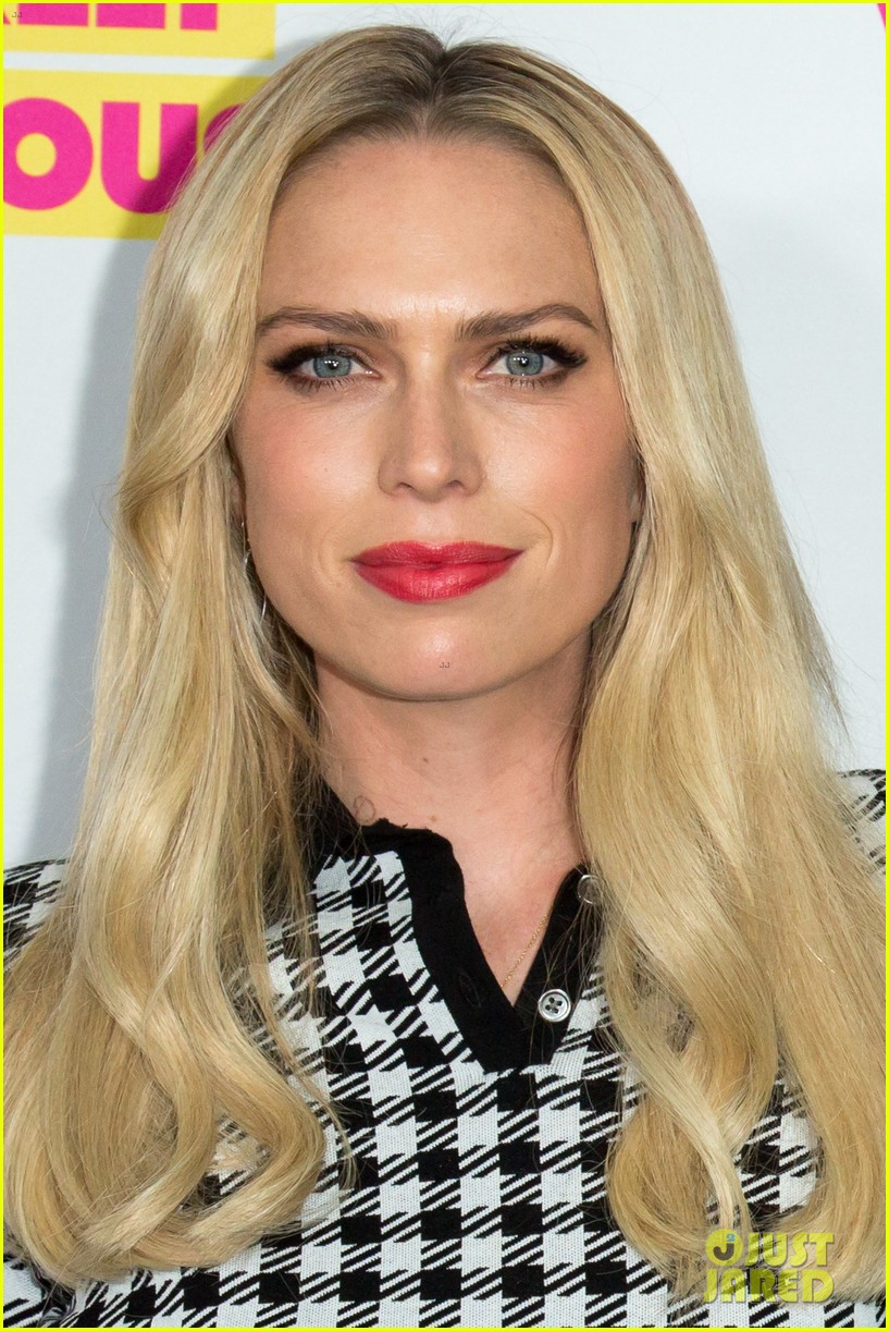 Erin Amp Sara Foster Get Star Studded Support At Barely