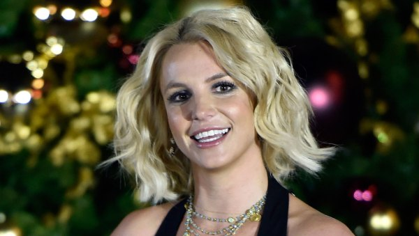 Britney Spears Experiences Mid-show Mishap Year