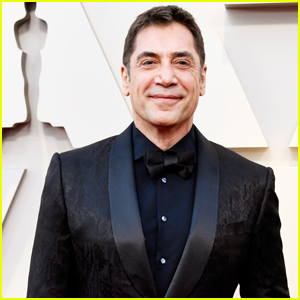Javier Bardem Sports All Black Suit for Oscars 2019