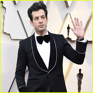 Mark Ronson Looks Sharp on the Red Carpet at Oscars 2019