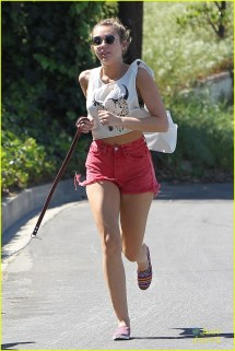 Miley Cyrus Running - Kid
