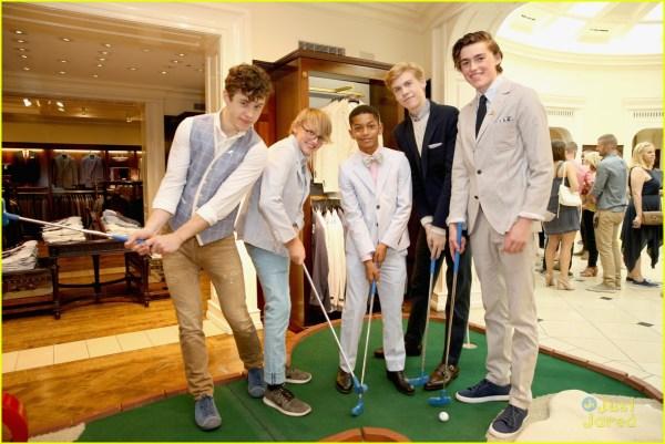 Yara Shahidi & Nolan Gould Play Mini-golf Raise Monies St. Jude 980099