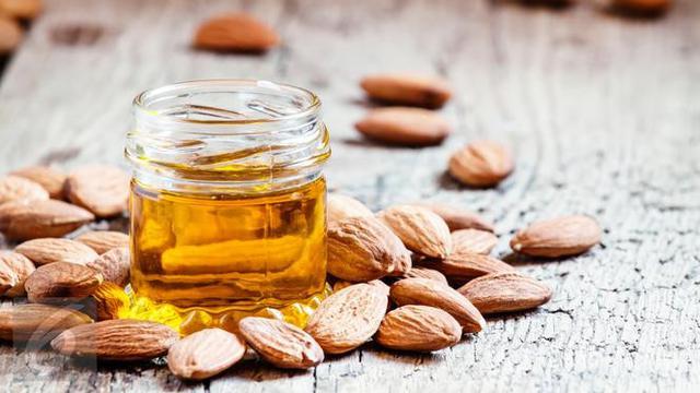 Tried/Tested: Kulit Kencang dan Awet Muda dengan Losion Almond