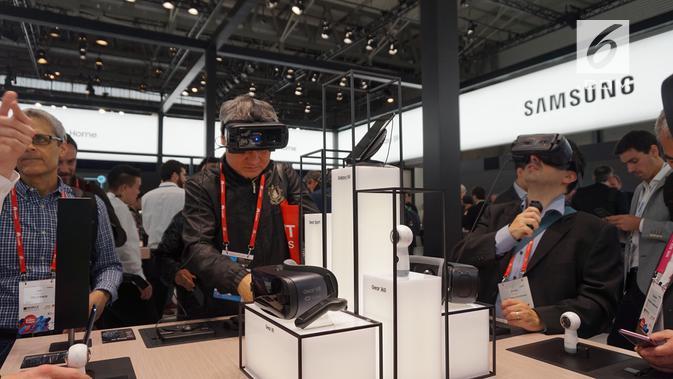 Suasana booth Samsung di gelaran Mobile World Congress 2018 di Barcelona, Spanyol (News/ Agustin Setyo W)