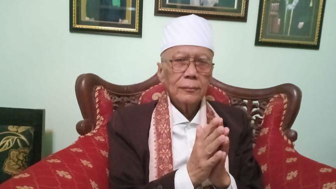 Ketua MUI Kabupaten Majalengka Anwar Sulaeman mengajak masyarakat untuk tidak ikut gerakan People Power 22 Mei 2019. Foto (Liputan6.com / Panji Prayitno)