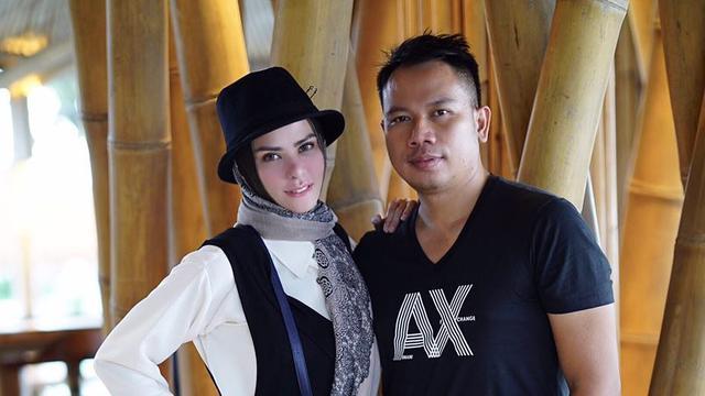 [Bintang] Vicky Prasetyo dan Angel Lelga