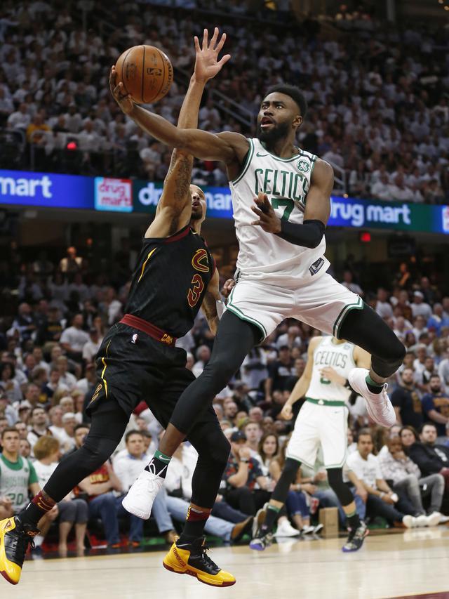 Pengertian Lay Up Dalam Basket : pengertian, dalam, basket, Mengenal, Dalam, Olahraga, Basket, Melatihnya, Ragam, Bola.com
