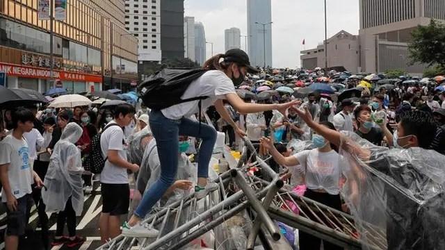 Reputasi Polisi Hong Kong Merosot Akibat Demonstrasi Rusuh